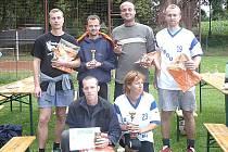 Medailisté z K. Řečici: Nahoře zleva: David Koranda (2. místo), Lukáš Hrádek (1.), Radek Křenek (všichni Blažejov, 2.) a Jan Voith (3., Praha), dole: Petr Řežábek (Blažejov, 1.) a Vladimíra Voithová (Praha, 3. místo).