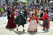 Historické slavnosti Jakuba Krčína v Třeboni nabízí bohatý program se šermíři, kejklíři, sokolníky či pohádkami.