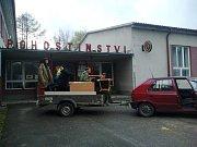 Do roka se rodině Vocílkových povedlo téměř nemyslitelné – znovu vystavět dům, který ztratili v plamenech loňského požáru.