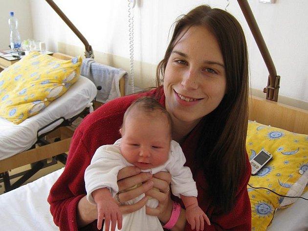 Aneta Hochmuthová z Nové Včelnice se narodila 7 října 2010. Měřila 48 centimetrů a vážila 3710 gramů. Doma čekala sestřička Klára.