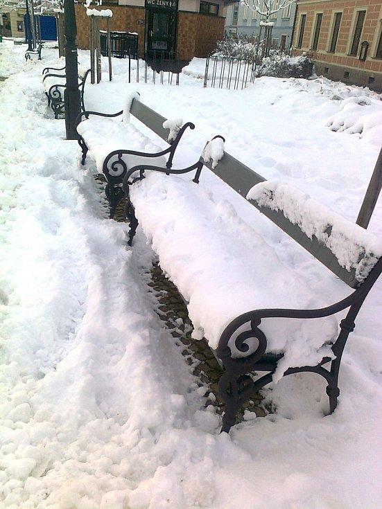 Všude je sníh.