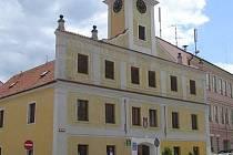 Stará radnice v Lomnici nad Lužnicí. Ilustrační foto.