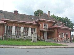 Nad sokolovnou v Černovicích nyní visí velký otazník.