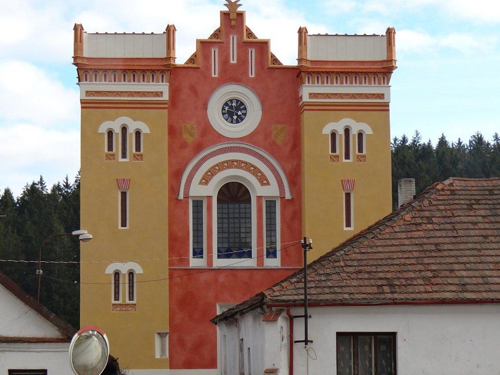 Opravená synagoga v Nové Cerekvi