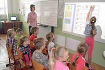 Senožatská škola slavila šedesátiny i dnem otevřených dveří.