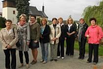 Zleva Hana Valková (Bělá), Zdeňka Bečková (Č.Řečice), Jana Houšková (Častrov), Adriana Chittussi (místost. N.Cerekev), Jana Mazancová (Veselá), Stanislava Houčková (Střítež), Blanka Veletová (Košetice), Eva Zadražilová (Moraveč) a Marta Kosová (N.Cerekev)