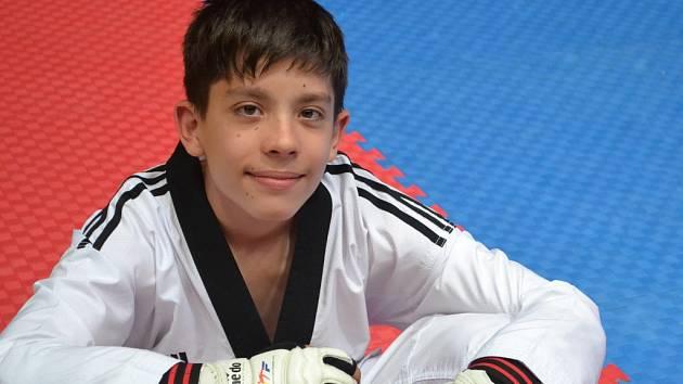 Jednu z celkových deseti zlatých medailí získal na turnaji v Bratislavě Matěj Kaman.