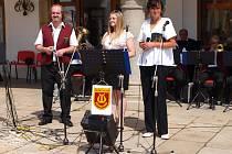 Promenádní koncert na pelhřimovském náměstí.