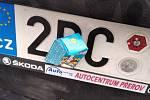 Policie zastavila auto s částečně zakrytou registrační značkou. Foto: archiv Policie ČR