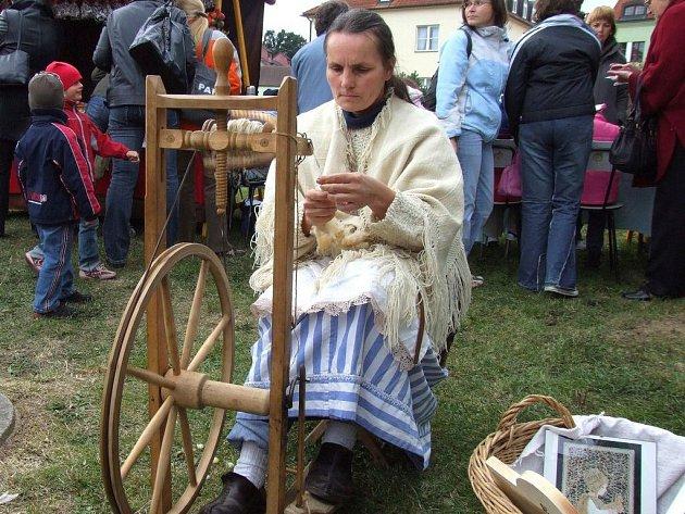 Vysočina zpívá, hraje a tančí. Festival řemesel v Pacově.