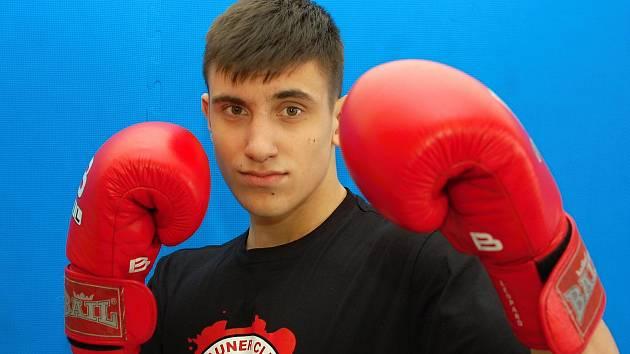 Boxer Adam Valenta běhá rád.