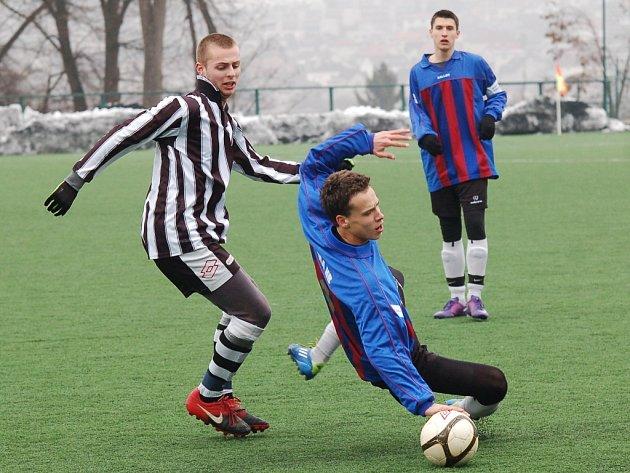 Fotbalový starší dorost Pelhřimova je v ohrožení sestupem. Po prohře s Bohunicemi se propadl v divizní tabulce na třetí příčku od konce.
