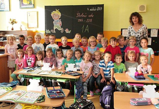 Na fotografii jsou žáci ze ZŠ Na Pražské vPelhřimově, třída 1.Apaní učitelky Ivy Minkové.