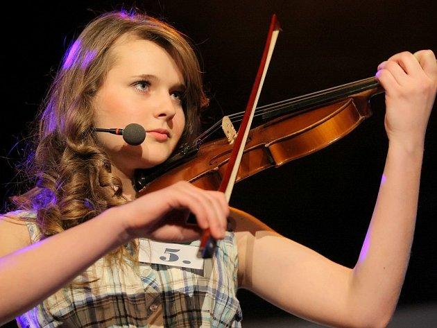 Natalie Creweová zazářila ve volné disciplíně, kde zahrála na housle a zazpívala.