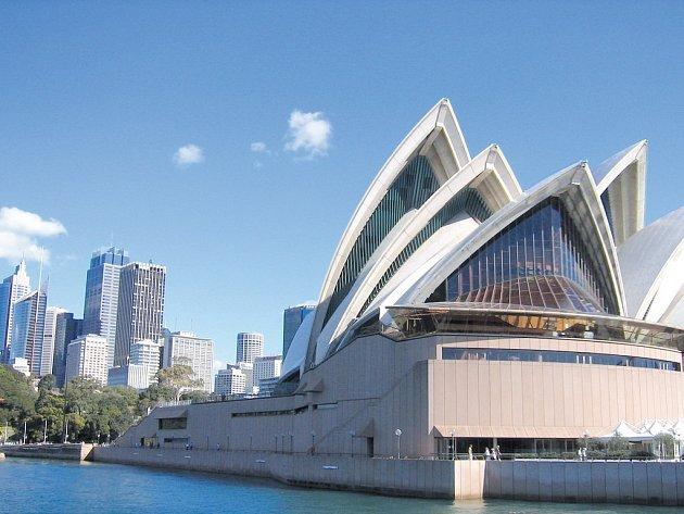 Opera v Sydney patří k nejznámějším operním budovám na celém světě – a to nejen, co se architektury týče.