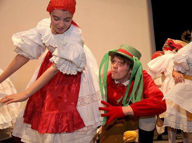 Sobotní vystoupení Souboru lidových písní a tanců Trnávka se v Pacově vydařilo.