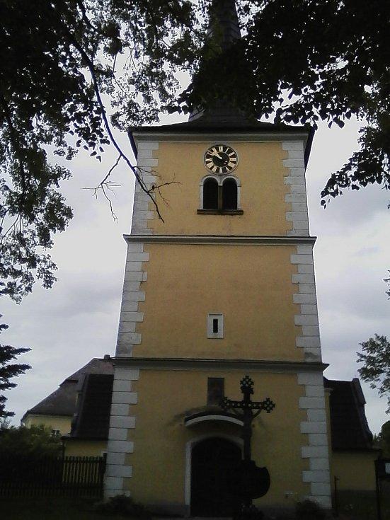 16. Zvonice kostela v Božejově