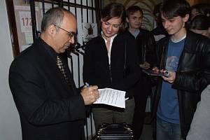 Světoví hudebníci v kostele