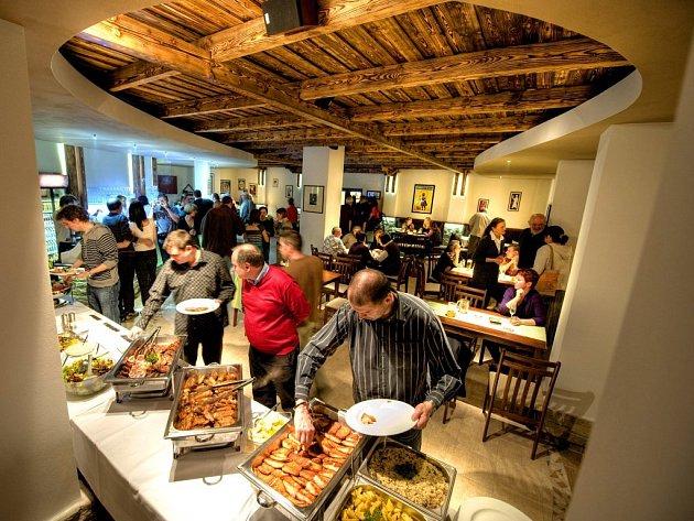 Nově otevřenou restauraci můžete vyzkoušet v Pelhřimově. V pátek se tam otvírá restaurace FitFarma.