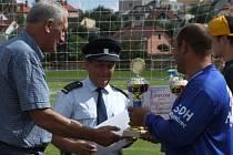 Předávání poháru vítězům