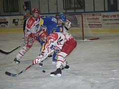 Centr pelhřimovského prvního útoku Tomáš Plachý v zápase s J. Hradcem doslova řádil. Soupeři zasadil tři gólové údery, včetně toho vítězného