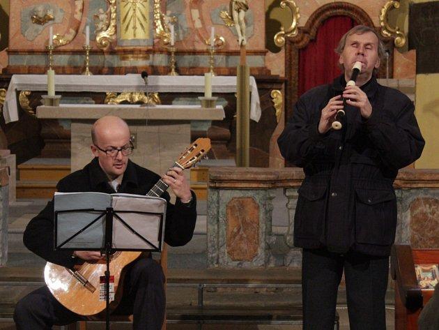 V kamenickém kostele Všech Svatých se v neděli uskutečnil adventní charitativní koncert.