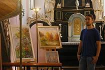 Výstavu s názvem Mým rodným krajem mohou zhlédnout návštěvníci v kostele svatého Víta v Pelhřimově.