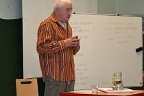 Andrej Gjurič besedoval se žáky humpoleckého gymnázia.