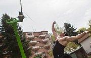 Osmadvacetiletý Vladislav Tuláček z Teplic 10. května v Pelhřimově překonal český rekord v hodu jednoruč skotským ocelovým závažím vážícím 25 kilogramů do výšky. Přehodil laťku ve výšce 536 centimetrů, a svůj vlastní dosavadní rekord tak překonal o jeden