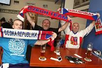V pátek bylo zahájeno mistrovství světa a hokejové šílenství vypuklo i na Pelhřimovsku.