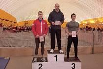Na strahovských závodech padnul i jeden český rekord v běhu na 60 metrů. V kategori veteránů nad 35 let ho překonal Pavel Hykl z Třebíče časem 6,84. Rekordu sekundovali druhý v pořadí Pavel Sobotka (7,21) z Třebíče a bronzový Luboš Novák z Pacova (7,24s)