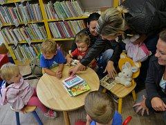 Malí čtenáři najdou v novém dětském oddělení jak knihy, tak i koutek na hraní či lenošení.