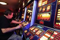 Pelhřimov se pustil do regulace heren a hazardu. Radnice se chce k problematice dále vracet.