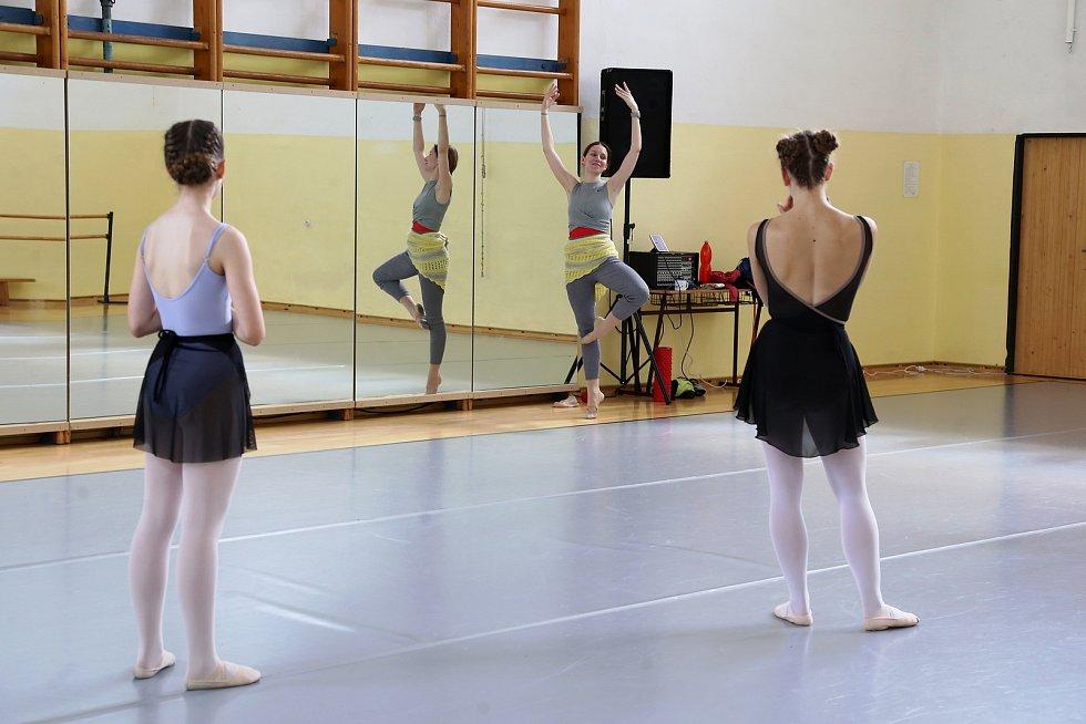 Do Pelhřimova přijela Letní prázdninová škola tance Jindřicha Hese.