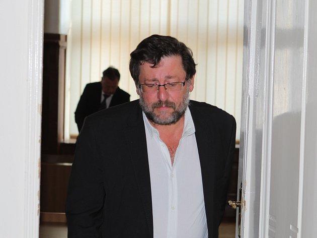 Soud potvrdil trest pro sexuologa Petra Weisse