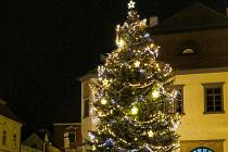 Vánoční strom se rozzářil v Pelhřimově o den dříve už v sobotu 28. 11.
