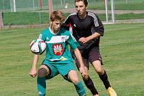 První poločas duelu mladších dorostenců přinesl hned sedm gólů. Spokojenější do kabin šel Pelhřimov, dostal se do nadějného vedení 5:2.
