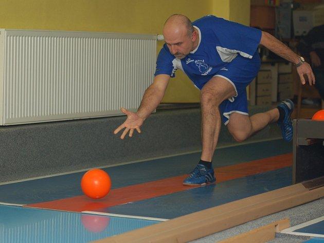 Klíčovcou postavou žirovnických kuželkářů je v posledních sezonách Libor Kočovský. Dokázal to i v Chotovinách, kde smazal manko svého týmu a zařídil remízu.