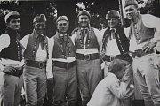 1971 – První členové souboru Stražišťan. Na fotografii je zleva František Franěk, Václav Kukačka, Jaroslav Hejda, Miroslav Hůša, Jiří Taks, Karel Míka.
