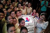 28.říjen si připomněli i mladí Filipínci.