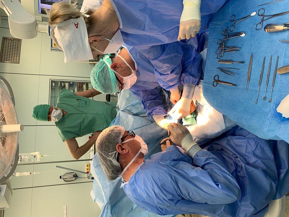 V pelhřimovské nemocnici rozšířili portfolio operačních zákroků.