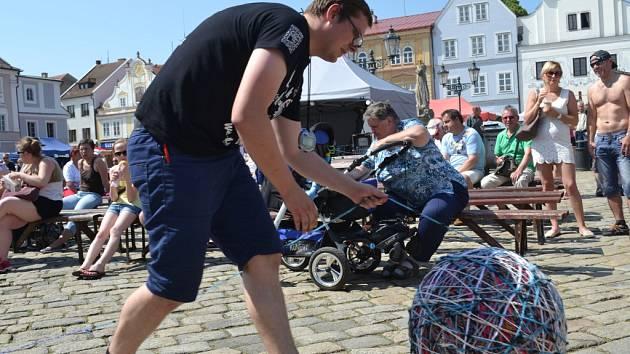 Mezinárodní festival rekordů a kuriozit v Pelhřimově.