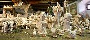Neobvyklý betlém znázorňující čtyři roční období na venkově zdobí zámecký špýchar. Vytvořily ho děti ze Základní umělecké školy v Humpolci.