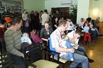 Na pelhřimovské radnici ve středu 18. února 2009  přívítali osm holek a pět kluků.
