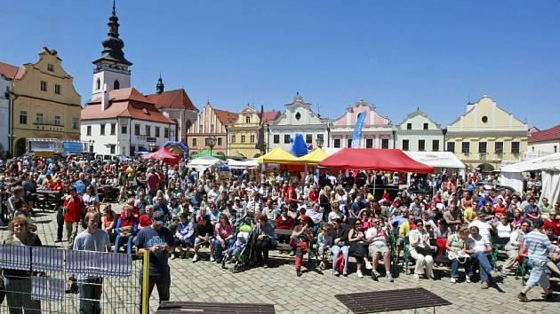 Festival rekordů a kuroozit pokračoval i v sobotu.