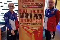 Pelhřimovské taekwondistky na turnaji Grand Prix v Manchesteru. Vlevo je Dominika Hronová, vpravo Iveta Jiránková.