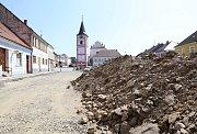 Rekonstrukce Mariánského náměstí v Černovicích.