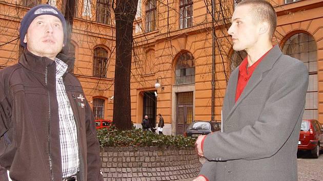Stanislav Polovec (vlevo) je podle obžaloby hlavním organizátorem přepadení. Ondřej Herman (vpravo) je jeden ze tří vykonavatelů.