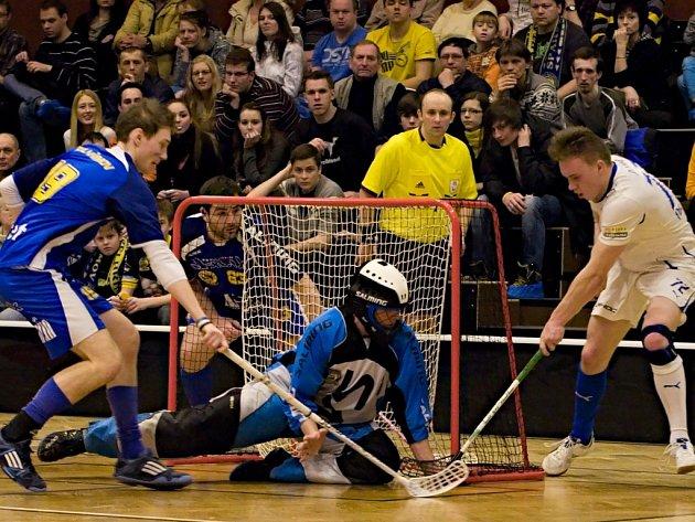 Fotbalisté Pelhřimova sice v Kladně prokázali herní zlepšení, ale čtvrtfinále skončilo i tak po třetím zápase.