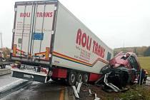 Dálnici D1 uzavřela u Humpolce nehoda kamionu.